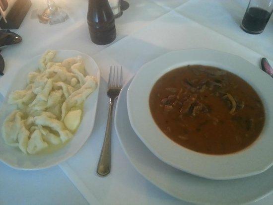 Pod Baranem: Stew with dumplings
