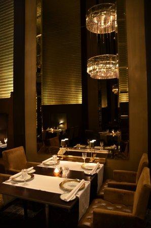 The Leela Palace New Delhi: indian restaurant