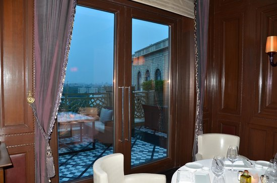 The Leela Palace New Delhi : l' cirque restaurant