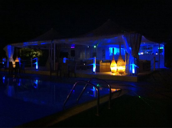 Valle di Mare Country Resort : Lounge bar di notte