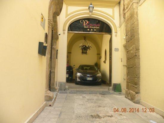 Vittorio Emanuele Bed & Breakfast: ingresso