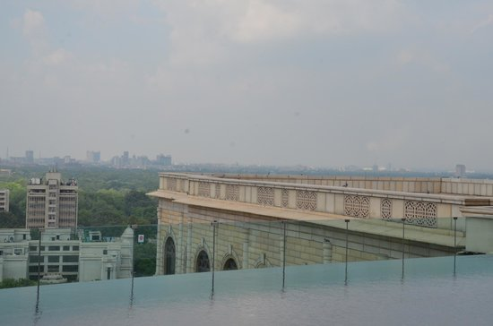 The Leela Palace New Delhi: dramatic pool at the top roof