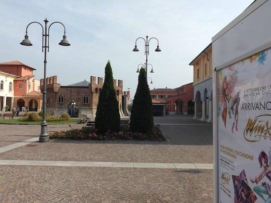 3fc7123cd5 Nelle vie del Village - Picture of Mantova Outlet Village, Bagnolo ...
