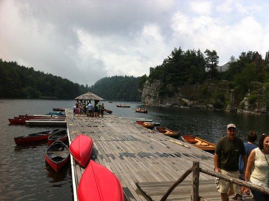 Mohonk Mountain House: Pristine lake, kayaks, canoes, paddle boats, fishing...