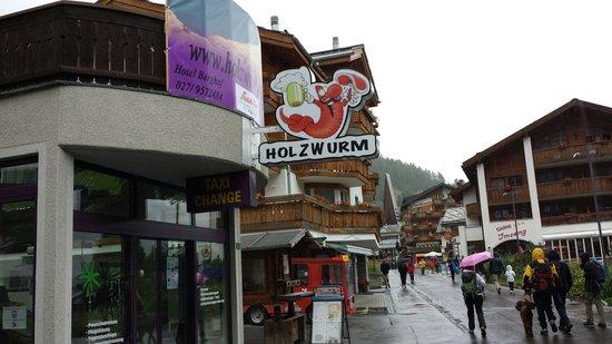 Holzwurm-Bar