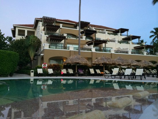 Now Larimar Punta Cana : Preferred Pool