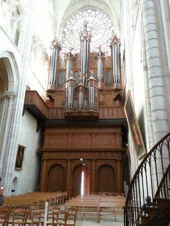 Cathédrale Saint-Gatien : l'orgue principal