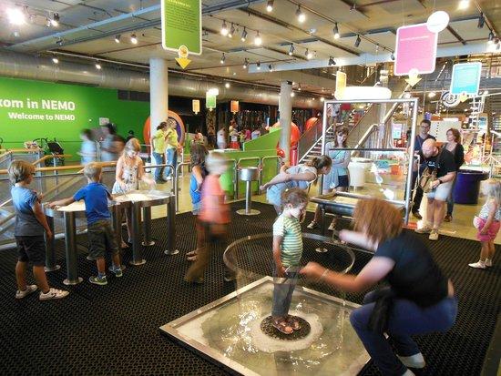 NEMO Science Museum: Bolle