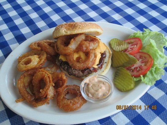 Cafeteria Terry's Diner: Wally Burger.. bbq sauce, bacon,cheese, and onion rings. Served w/ chipotle ranch