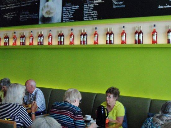 Central Restaurant Cafe Bar: Niet zo'n gezellige zit , in het restaurant !!