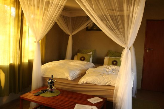 Ama Amanzi Bush Lodge: Slaapkamer in lodge
