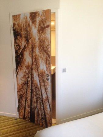 Ibis styles Marseille Timone : Hübsche, moderne Bilder im Zimmer