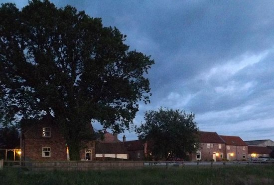 Broadgate Farm Cottages: The cottages at dusk