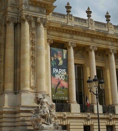 Petit Palais, Musée des Beaux-Arts de la Ville de Paris : Facade on avenue Winston Churchill