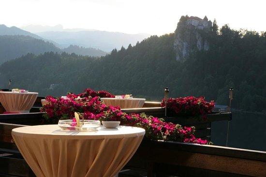 Kompas Hotel Bled: Lakeside terrace