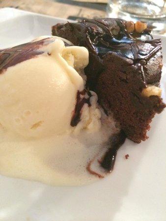 Brownie con helado!! Delicioso!!!