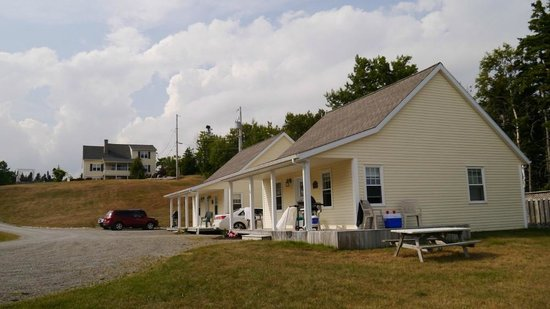 Lantern Hill & Hollow : cottages