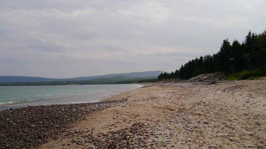 Lantern Hill & Hollow : the beach