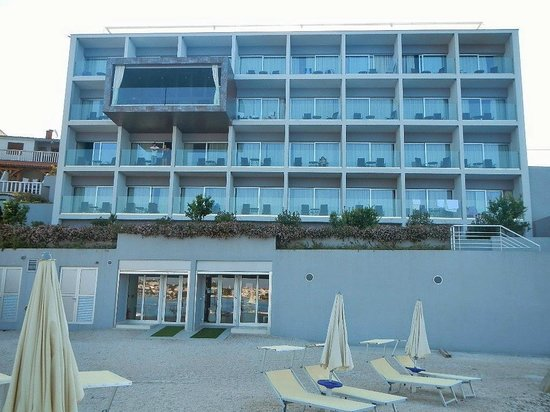 Hotel Split: Hotel rooms all have seaview