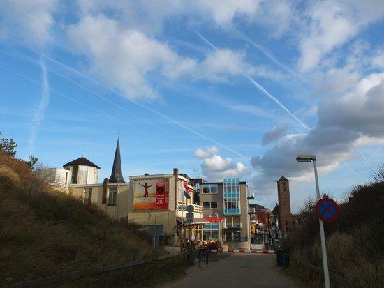 Hotel Sonnevanck: view from beach walk