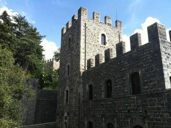 Castello di Brolio: Il castello