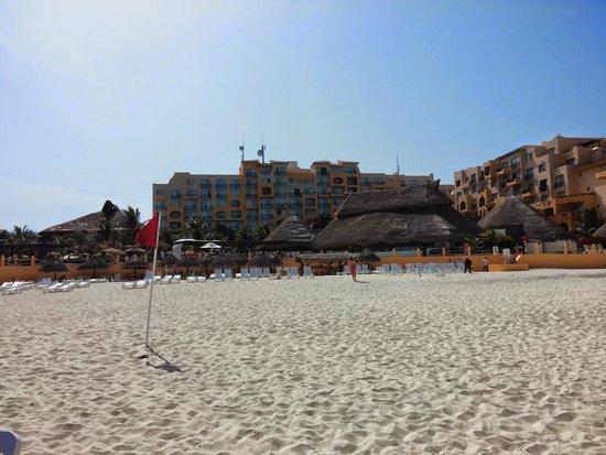 Fiesta Americana Condesa Cancun All Inclusive: View of hotel from beach