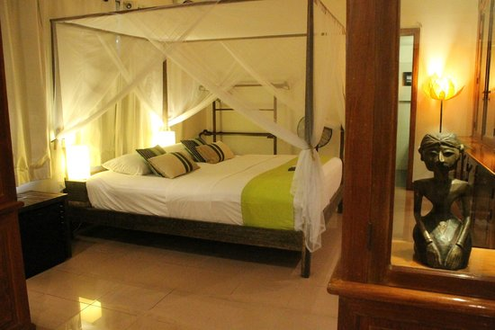 The Pavilion : Our deluxe bedroom - extremely comfortable.