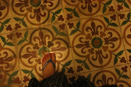 The Pavilion : Beautiful tiled floors