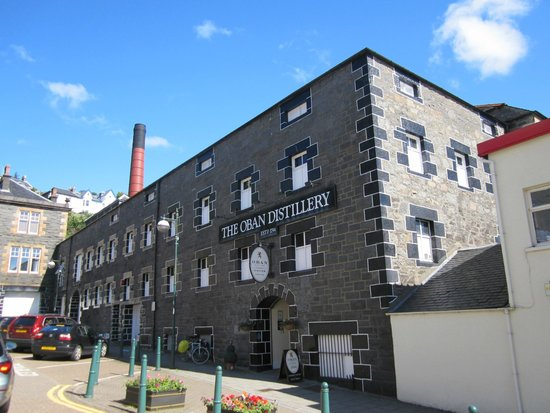 Barriemore Guest House: Oban distillery a good 20 minute walk from the hotel