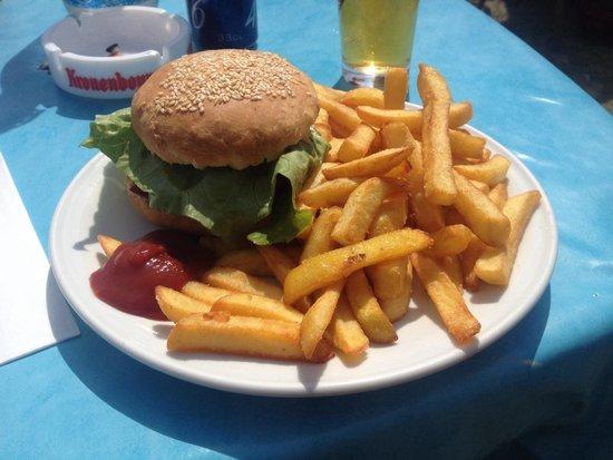 La Cabane des Poissons Rouges: Le burger