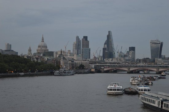 Waterloo Bridge: The city from the Bridge