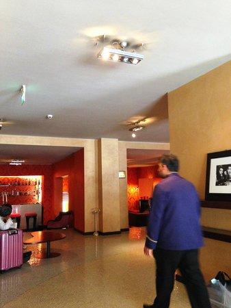 Fiume Hotel: ホテルロビー周辺です