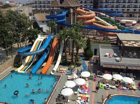 Club Mermaid Village: oyun alanı