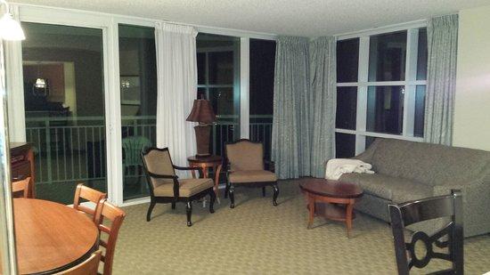 Sandy Beach Resort : Living room