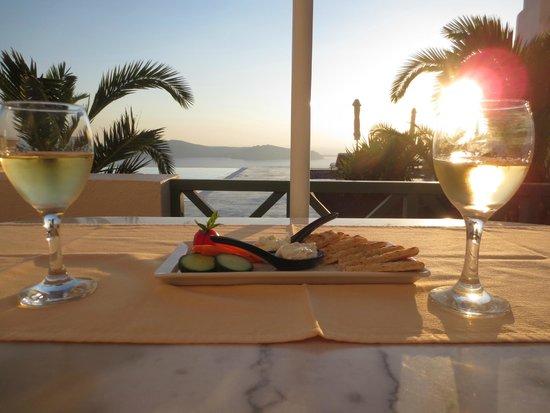 Anastasis Apartments: Sunset wine hour