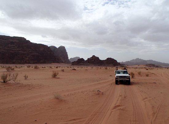 Wadi Rum: Her er masser af plads og langt mellem møder med andre