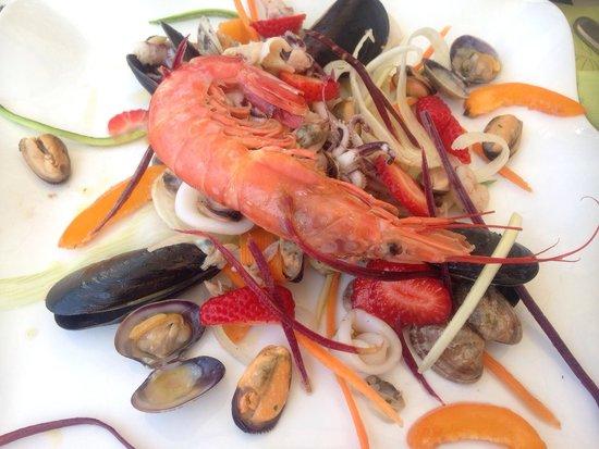 Molo20: Antipasto tiepido di mare con frutta e verdura