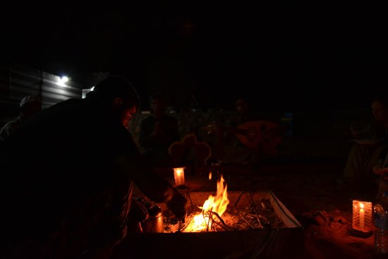 Bedouin Lifestyle Camp: In the evening at the camp fire