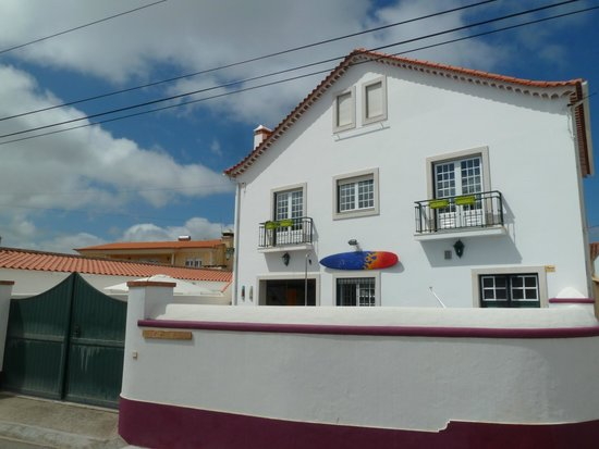 Wine & Surf Hostel Obidos