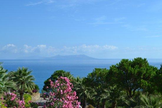 Villa Ridente Club: Вид на Липарские острова