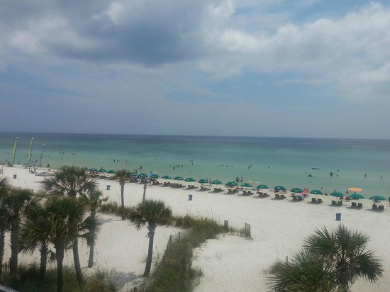 The Sandpiper Beacon Beach Resort : view from the room