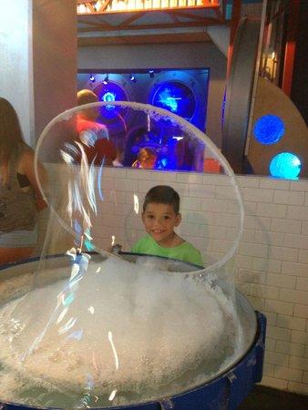WonderWorks: giant bubbles!