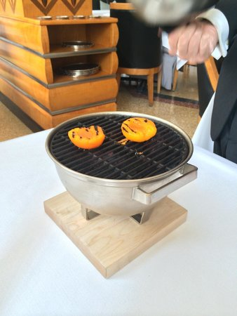Eleven Madison Park : The apricots grilling at the table