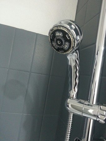 La porte d 39 entr e picture of alliance hotel brussels expo brussels t - Pommeau de douche a led ...