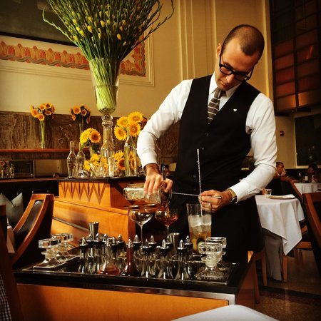 Eleven Madison Park : The Manhattan cart: drinks made at the table