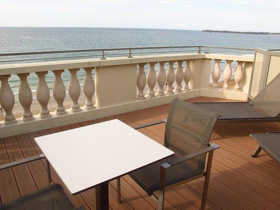 Hôtel Le Nouveau Monde : View & relaxation