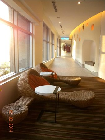 Hotel Novotel Taipei Taoyuan International Airport: 走廊一隅