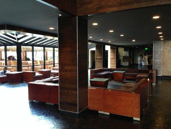 Hotel Menage Lobby