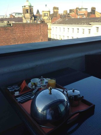 Hotel Indigo Newcastle: Breakfast on the balcony of Room 404