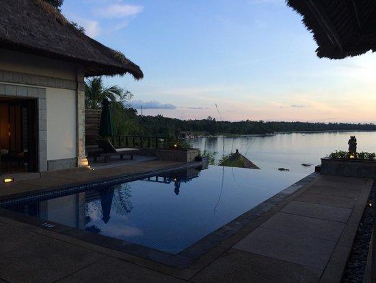 Banyan Tree Bintan : Sunset from a perfect villa